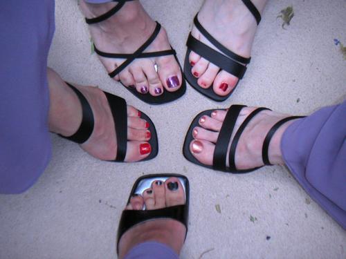 Bridesmaids toes